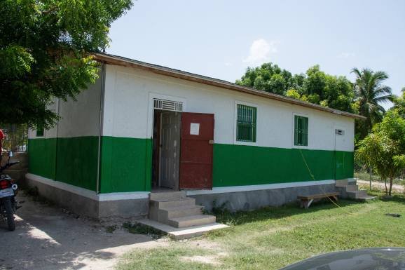Our clinic was officially opened to the community in 2018 after being built by a team of Haitians and Americans. It was initially used as a preschool for a short time. Now, it is a clinic the community can count on. Medical care in Haiti is often too expensive and not easily accessible for the average family. Our dream was to build a clinic within walking distance with reasonable costs so that community members could be treated when needed. Since opening, we have been able to treat patients, care for our sponsorship children and host medical teams.